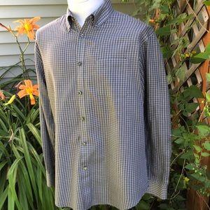 Van Heusen LS Button Up Shirt. Men's size large.